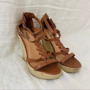 🔥SALE🔥 tan leather/light tan weave wedges size 8